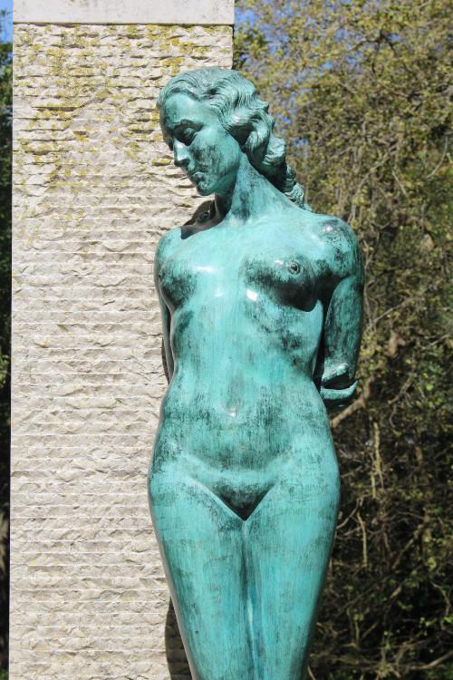 3456px-Statue_Anges_Teixeira_Sintra_236e9144dc72f0fee.jpg
